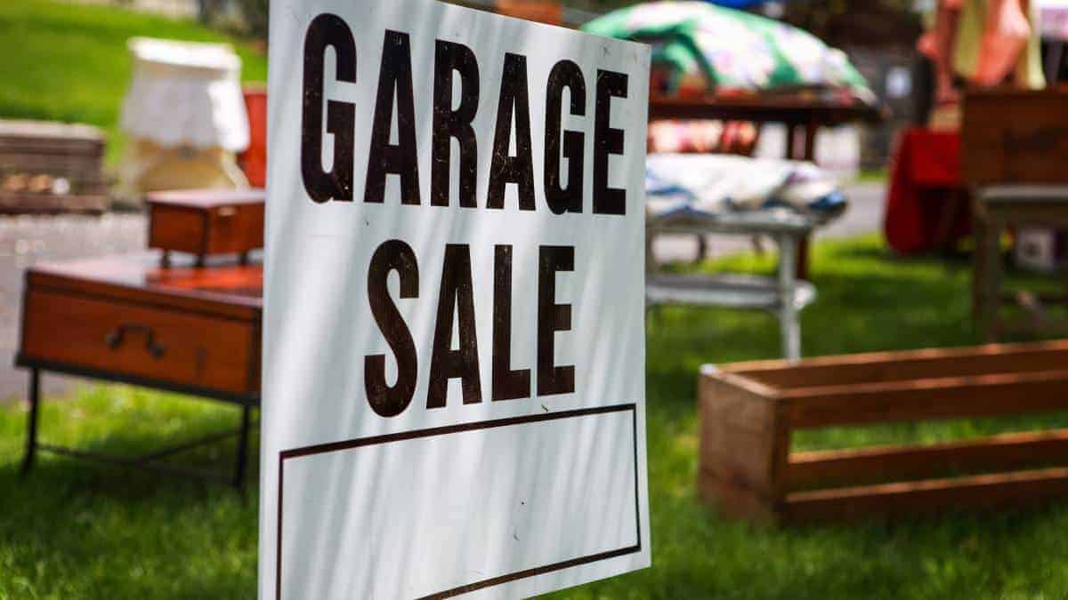 Garage Sale Small Business Ideas For Woman